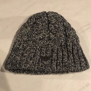 Under Armour Fleece Lined Beanie Hat- Like NEW!!